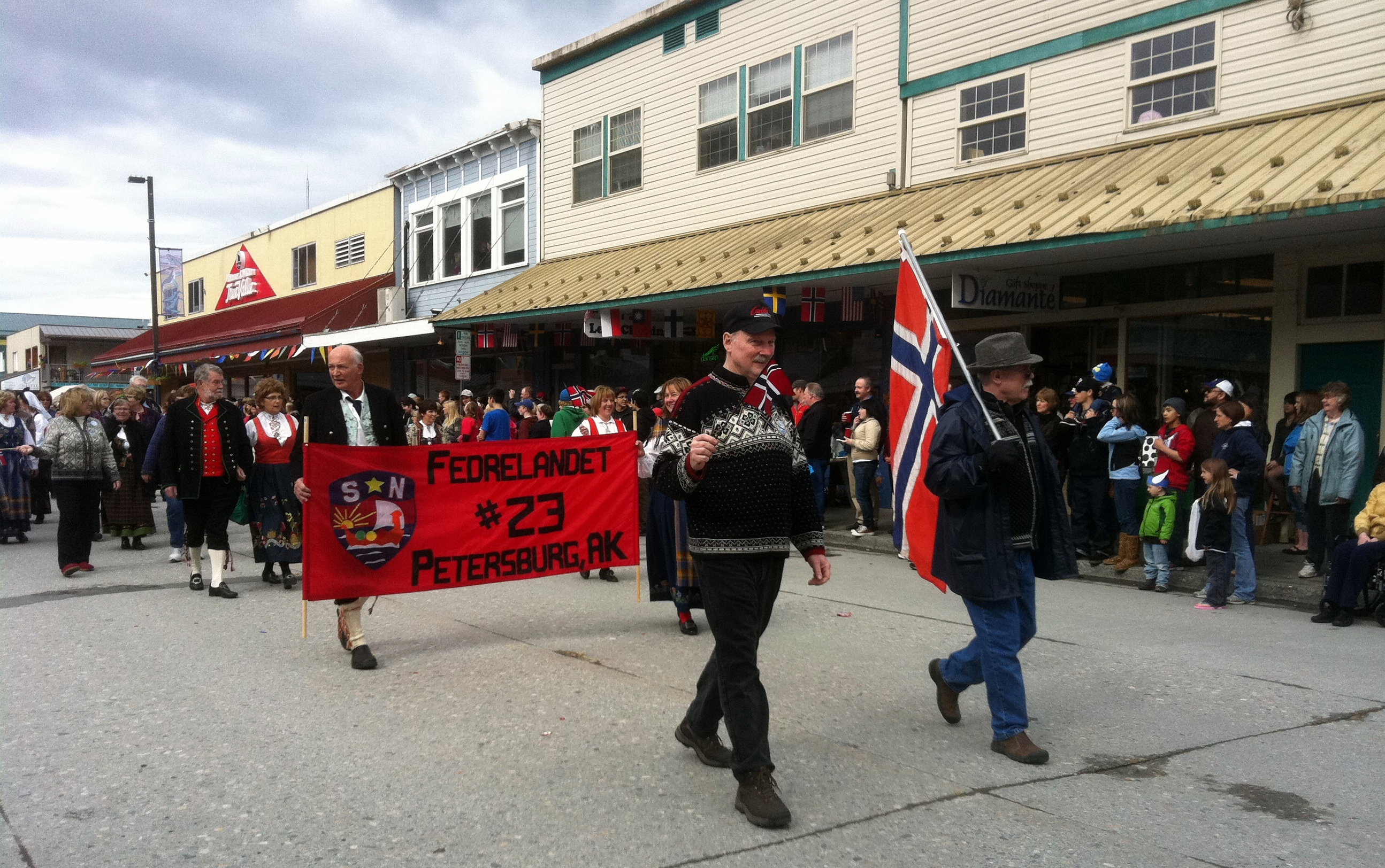 little-norway-parade-2